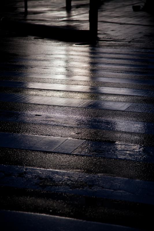 Nov-雨上がりの横断歩道.jpg